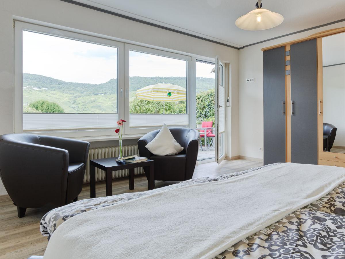 ferienwohnung rebenschule bernkastel kues firma. Black Bedroom Furniture Sets. Home Design Ideas