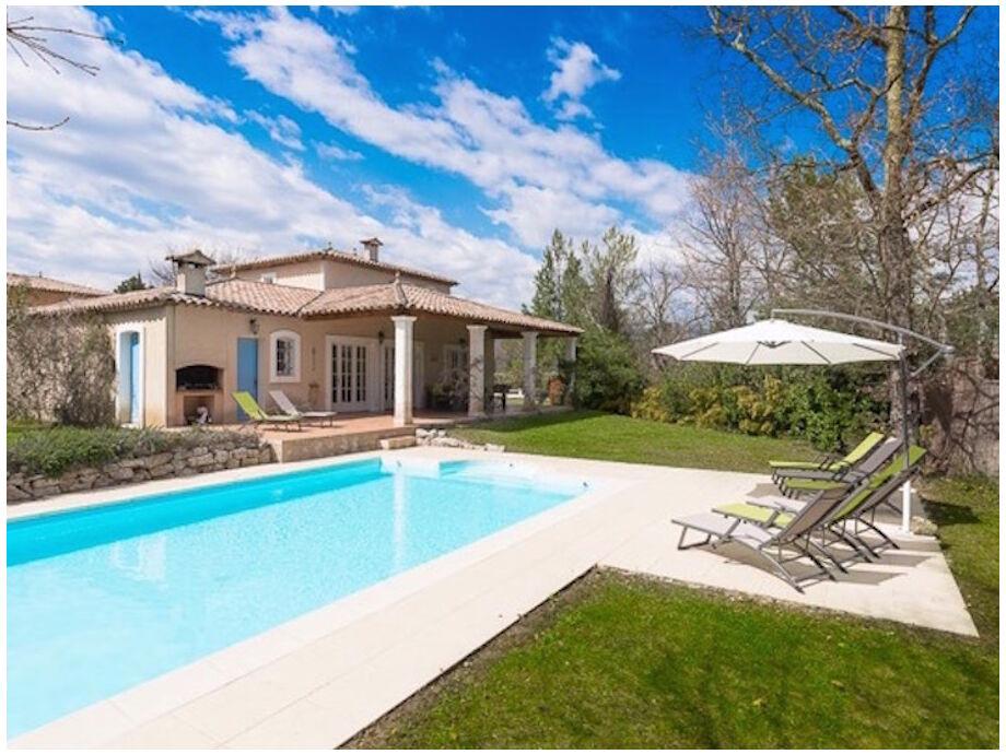 Haus mit Pool und Garte
