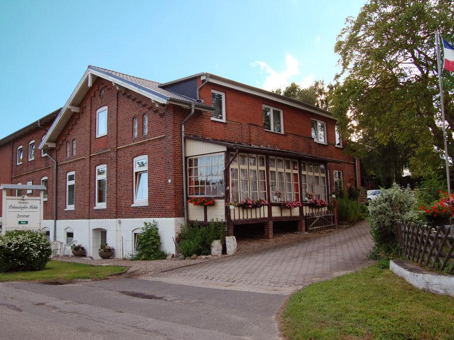 Pohnsdorfer Mühle - front