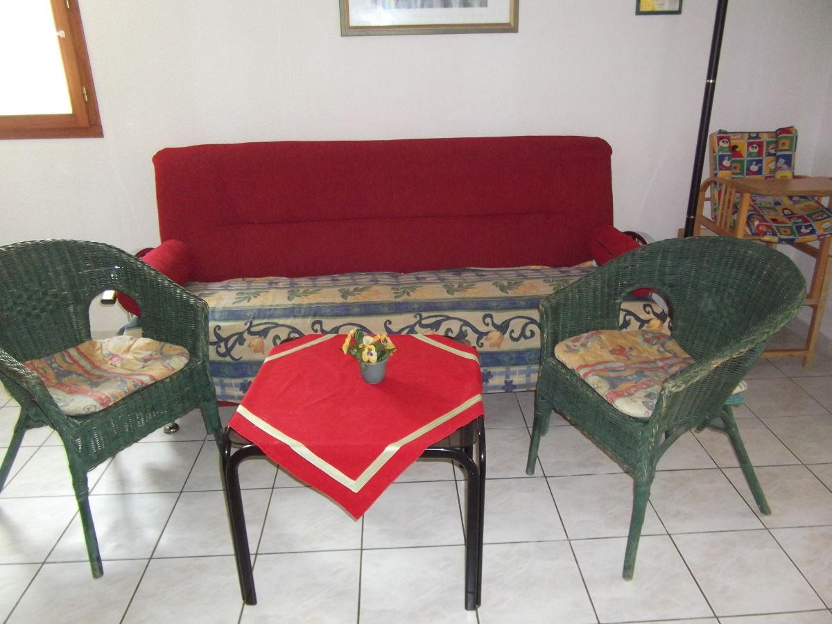 ferienhaus otten 2 les ayguades gruissan frau sabine otten. Black Bedroom Furniture Sets. Home Design Ideas