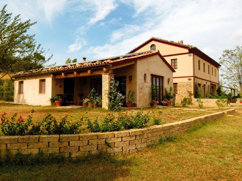 Casa Montale mit Nebenhaus Capanna
