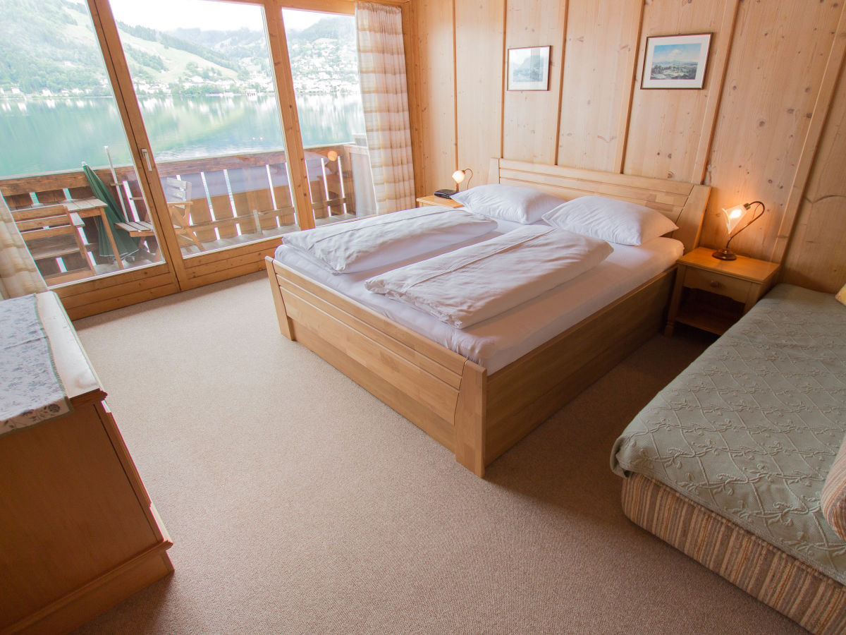 waterfront apartment 3 zell am see salzburger land zell am see firma steinbock lodges. Black Bedroom Furniture Sets. Home Design Ideas