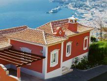 Moderne Meerblick-Villa mit Privatpool und Garten