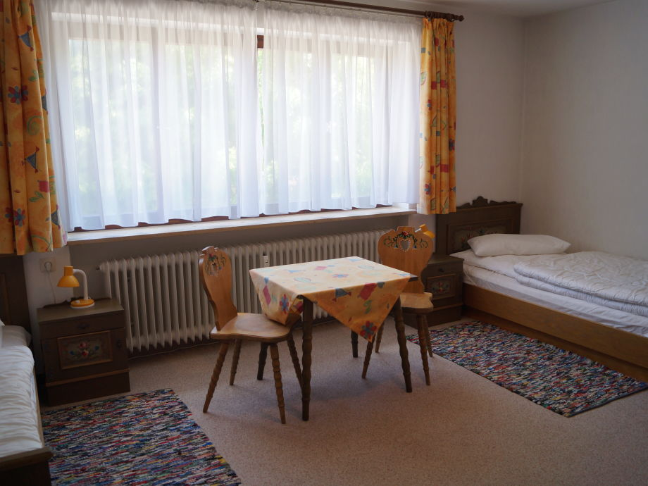 ferienwohnung alphorn oberallg u oberstaufen firma villa staufen ferienwohnungen frau. Black Bedroom Furniture Sets. Home Design Ideas
