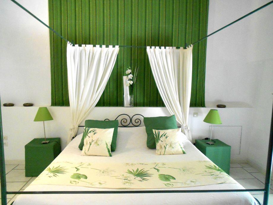 Schlafzimmer der Ferienwohnung Venasque