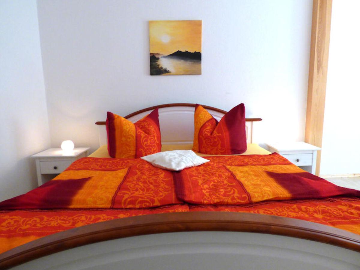 ferienwohnung berm atelier 2 pirna firma ferienwohnung berm atelier frau claudia hinze. Black Bedroom Furniture Sets. Home Design Ideas