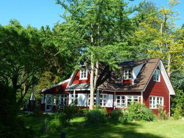 Exklusives Schweden-Ferienhaus am See und mit privatem Bootssteg