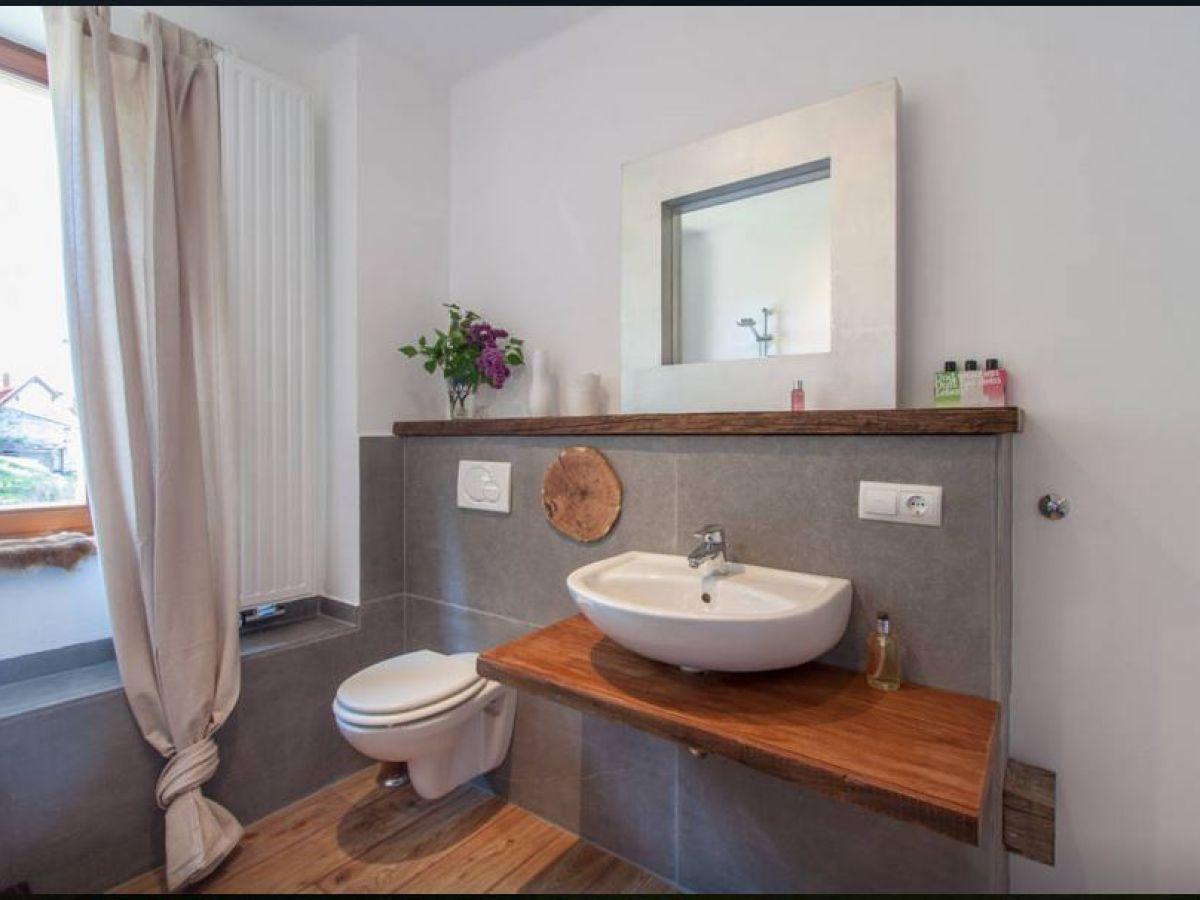 badezimmer altholz neuesten design. Black Bedroom Furniture Sets. Home Design Ideas