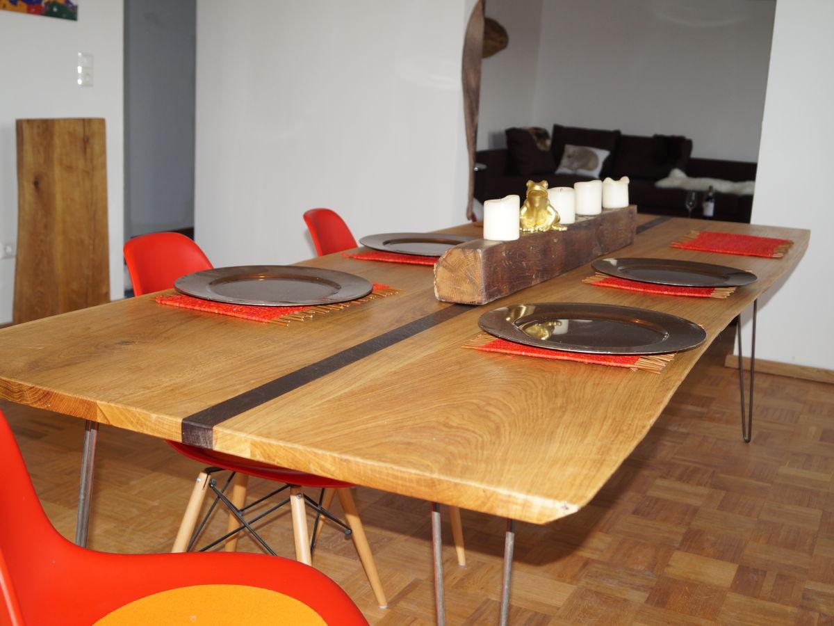 ferienwohnung wohnen am schlossberg fr nkisches weinland firma hugo k mpf gmbh frau carolin. Black Bedroom Furniture Sets. Home Design Ideas