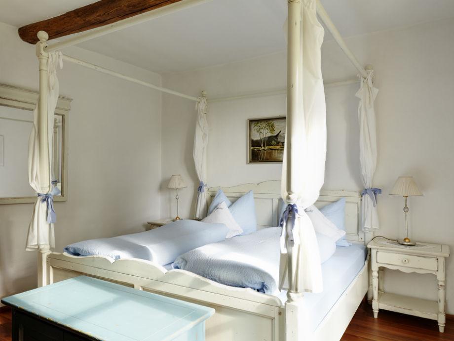 Himmelbettschlafzimmer der Graf von Frankenberg-Wohnung