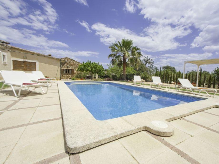 Herrliche erfrischender Pool für die heißen Sommertage