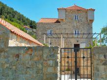Villa Cara Castle