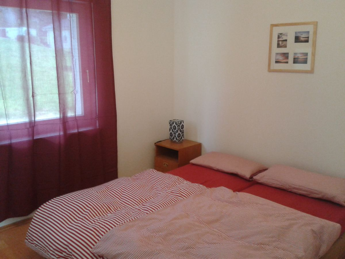 ferienwohnung im ferienhaus heimbach nordeifel heimbach eifel herr j rg puppe. Black Bedroom Furniture Sets. Home Design Ideas