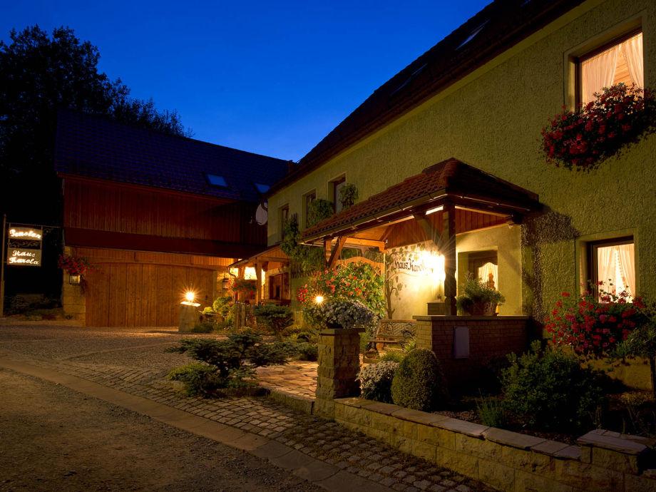 Haus Karola in der Abenddämmerung