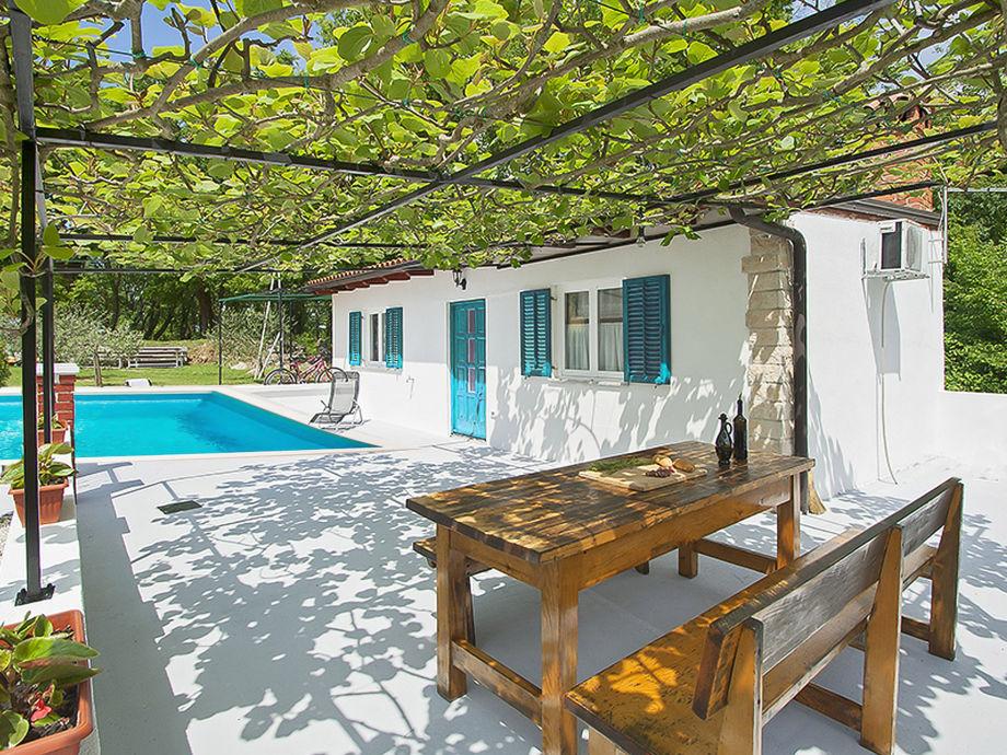 Ferienhaus Lana mit Pool