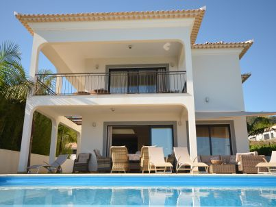 Villa 17°West mit Solar Pool