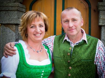 Ihr Gastgeber Josef und Monika Ortner