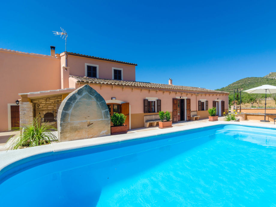 Villa Can Botó mit Pool