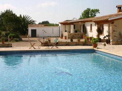 Ferien-Finca mit Pool und Tennisplatz
