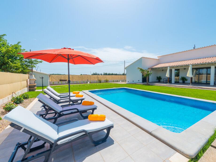 Gemütliche Finca mit gepflegtem Garten und Pool