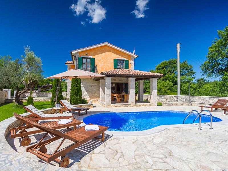 Villa Monika