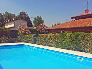 Ferienhaus Villino Paola mit Pool in Strandnähe
