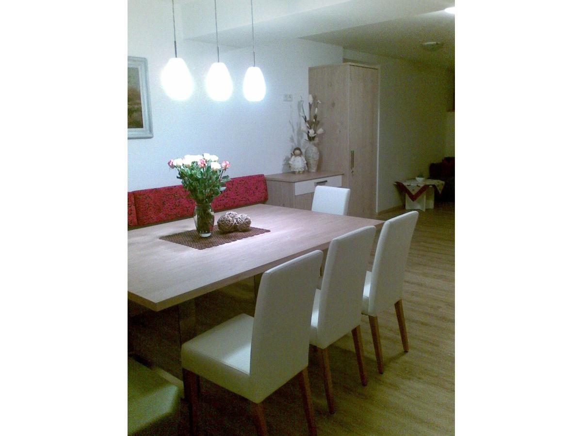 apartment sonnenblume haus schneeberger christina zillertal frau christina schneeberger. Black Bedroom Furniture Sets. Home Design Ideas