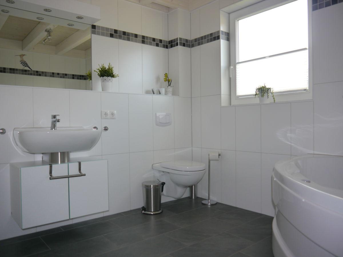 Luxus ferienhaus am see grafschaft bentheim herr - Sauna whirlpool ...