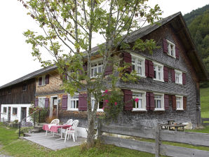 "Ferienhaus Hütte ""Hinter'm Berg"""