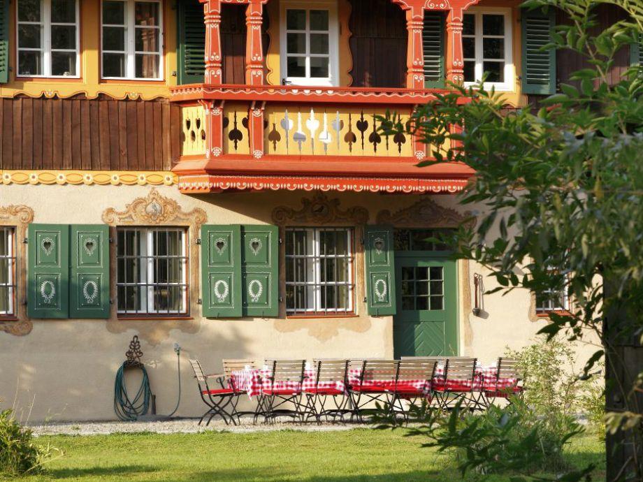 Terrasse und Garten mit Platz für 20 Personen