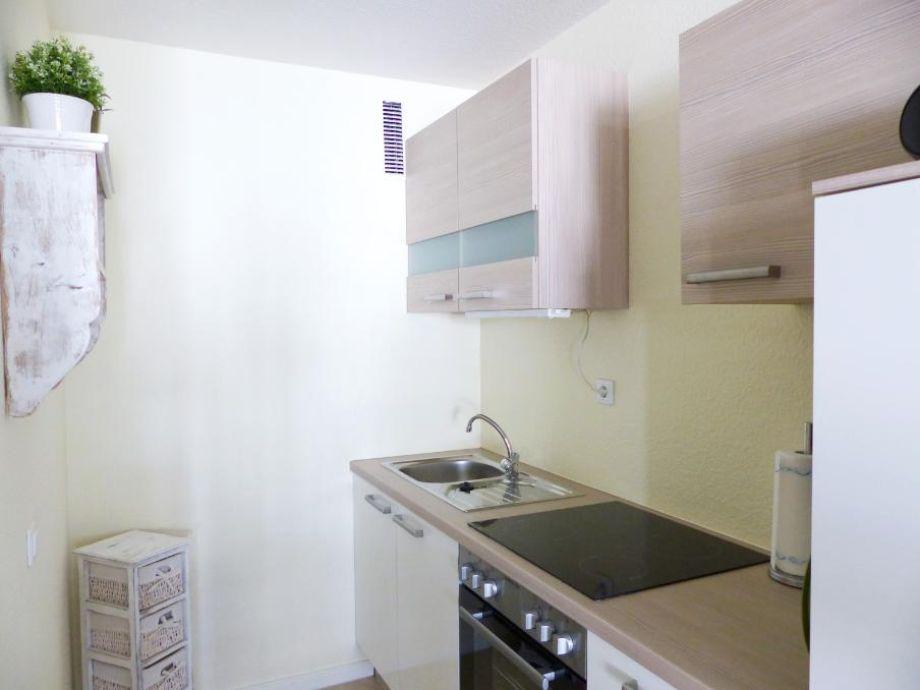 ferienwohnung kaiserhof apartment 202 typ a ostsee gr mitz firma kleinerkaiser apartments. Black Bedroom Furniture Sets. Home Design Ideas