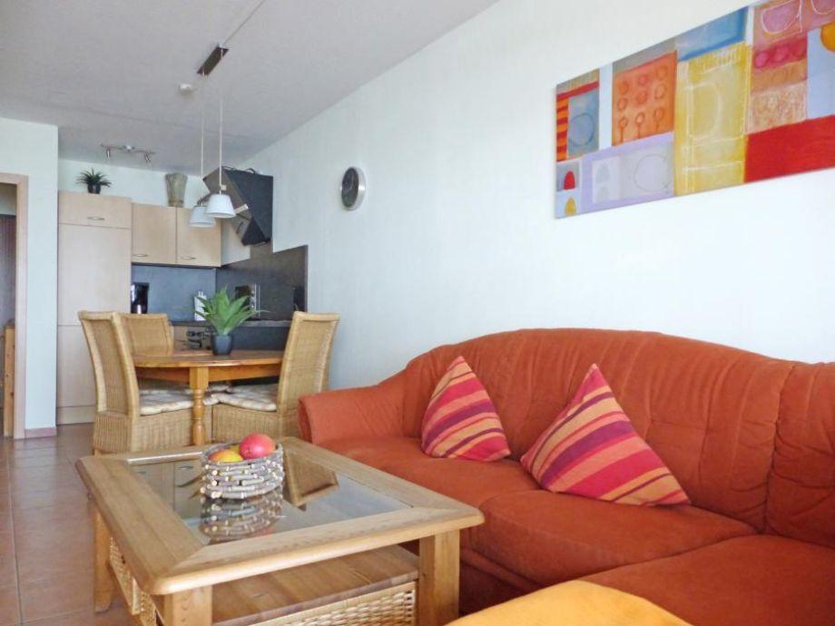 ferienwohnung kaiserhof apartment 203 typ a ostsee On couch über eck
