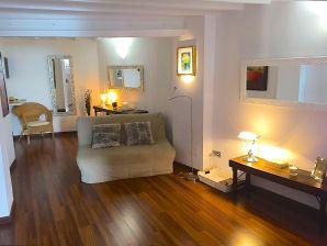 Apartment La Lonja