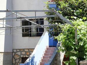 Holiday apartment Petaros 7