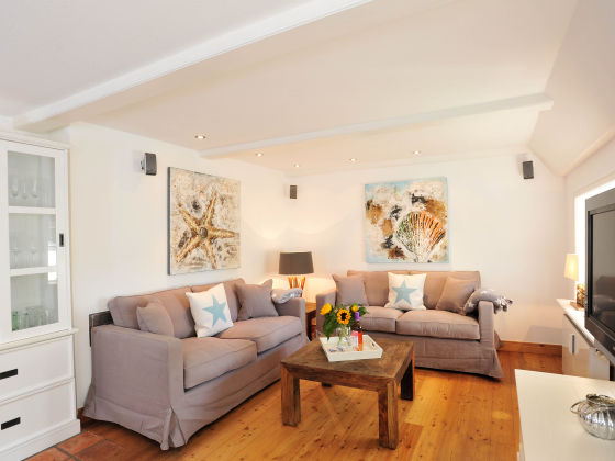 ferienwohnung kapit nshaus sylt firma. Black Bedroom Furniture Sets. Home Design Ideas