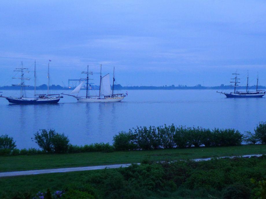 Die Blaue Stunde am Hafengeburtstag erleben...