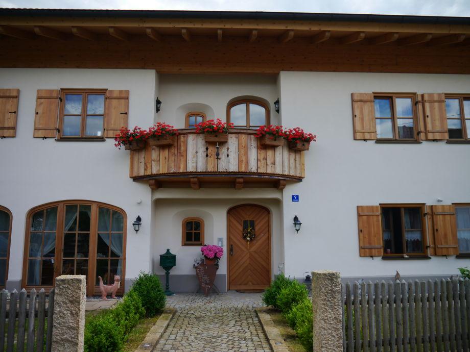 Hausfront/Eingangsbereich