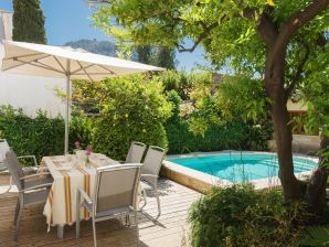 Holiday house Casa Girard with Pool in Pollença old town