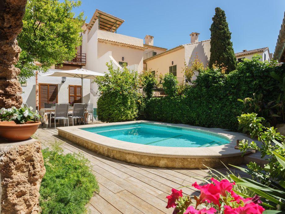 Stadthaus mit beheizbarem Pool und Außenküche