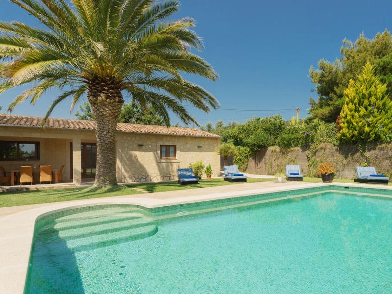 Finca Can Carels Petit with Pool in Pollença town
