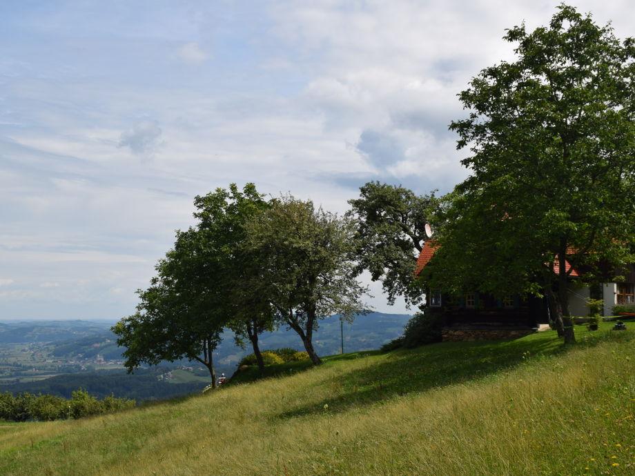 Pilch Hiasl - Einzellage mit Blick über das Hügelland