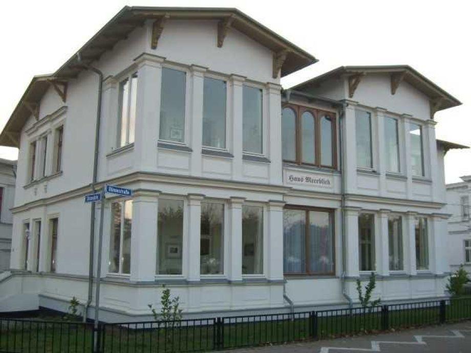 Außenaufnahme in der Villa Meerblick