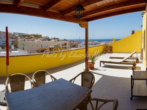 Ferienwohnung Luxuriöses Penthouse mit Dachterrasse & Meerblick