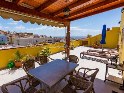 Luxuriöses Penthouse mit Dachterrasse & Meerblick