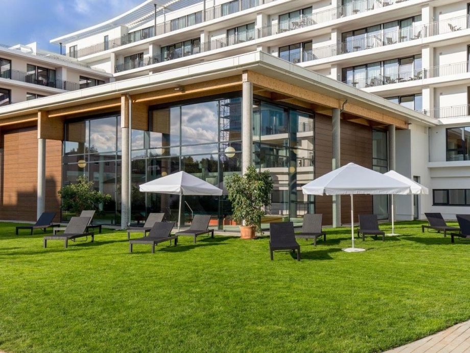 Apartmenthaus mit Schwimmbad und Liegewiese
