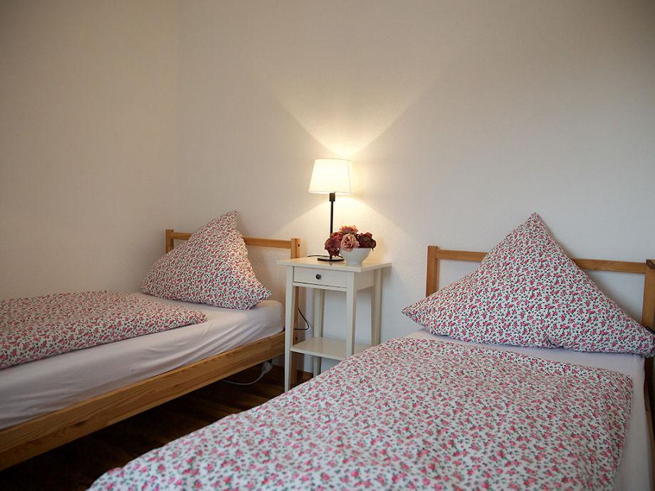 2x Einzelbetten im kleinen Schlafzimmer