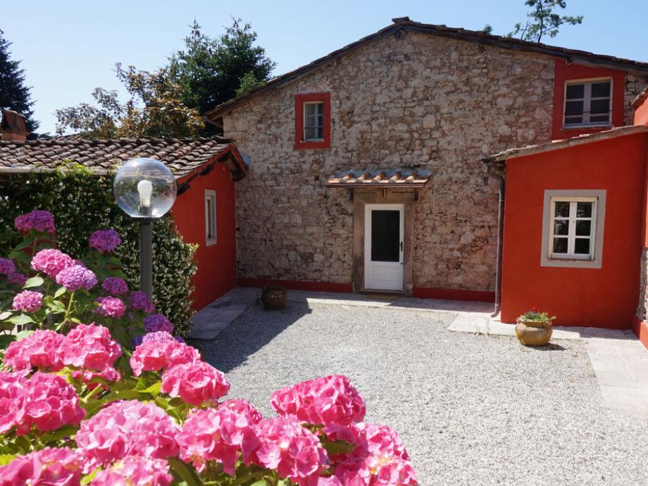 Ferienhaus mit Innenhof