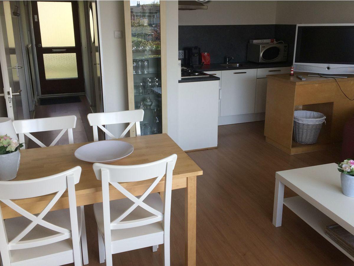 Ferienwohnung zuiderstrand duinweg 124 walcheren for Wohnzimmer mit esstisch