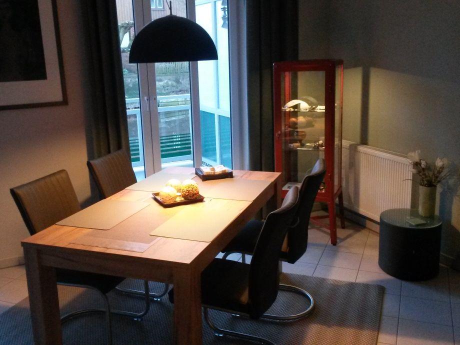 gemütlich und komfortabel eingerichtetes Wohnzimmer