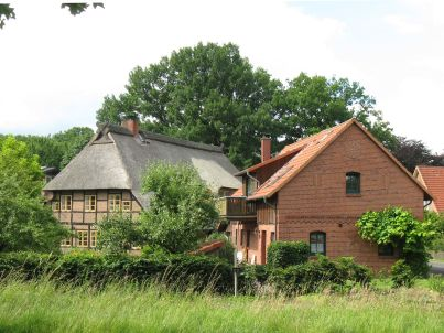 Strohdachhaus